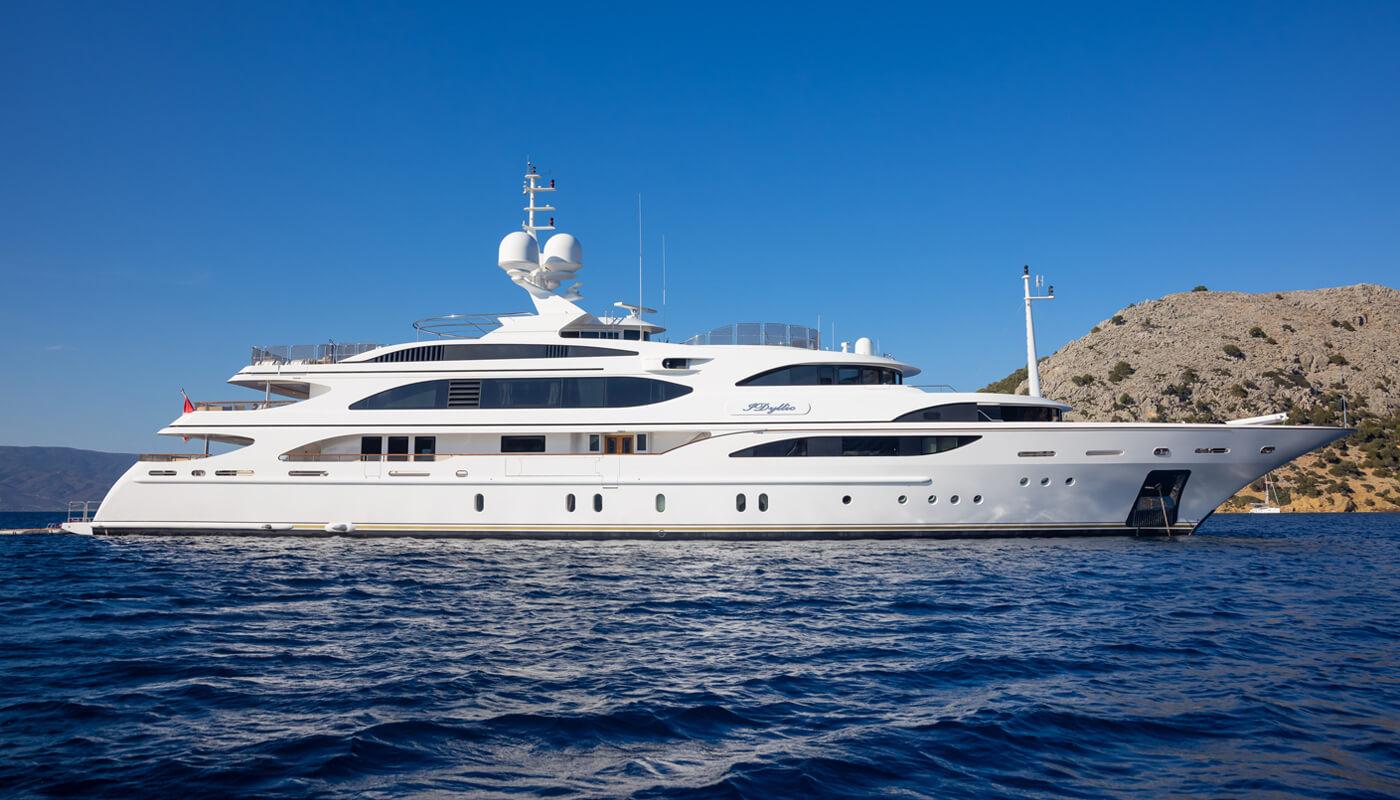 IDyllic  Benetti 60m  2008 / 2021   12 guests   6 cabins   15 crewyacht chartering