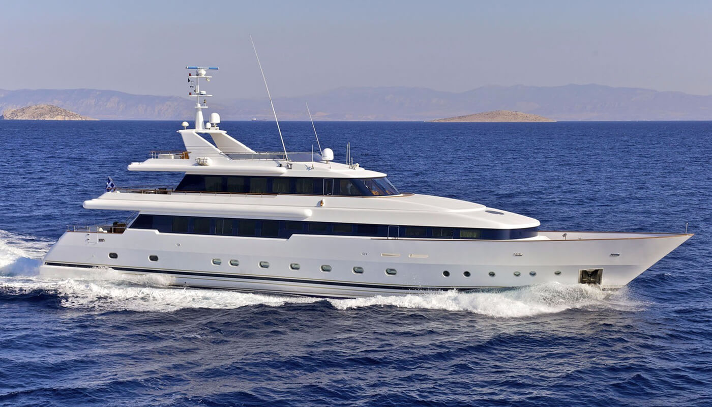 O'Rion   Siar Moschini41m   2004/2015   12 guests   6 cabinsyacht chartering