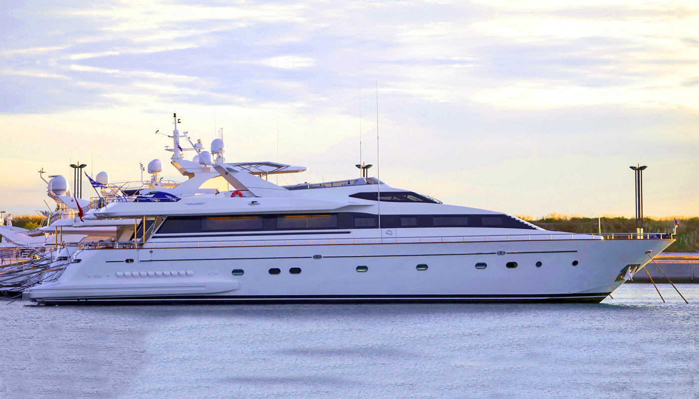 Apanemia   Falcon 31.00m  1998/2014   12 guests   5 cabinsyacht chartering