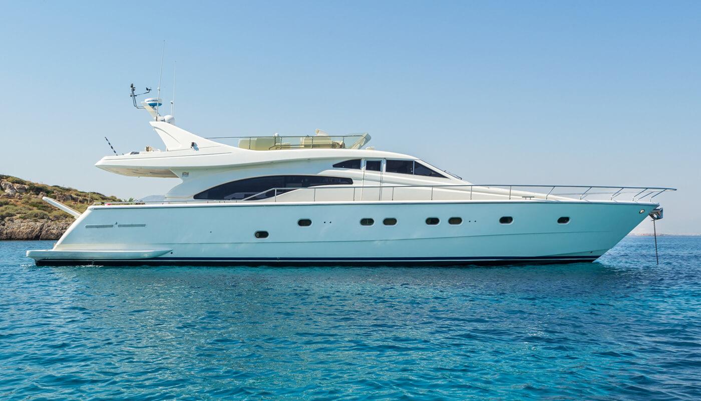 Meli   Ferretti 21.20m   1999 / 2019   8 guests   4 cabinsyacht chartering