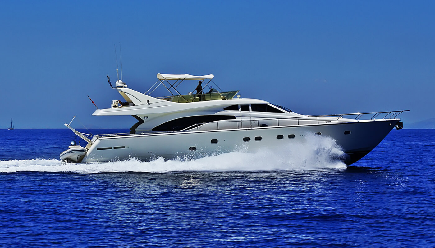 Kialoa   Ferretti 21.20m   2001/2018   8 guests   4 cabins   3 crewyacht chartering