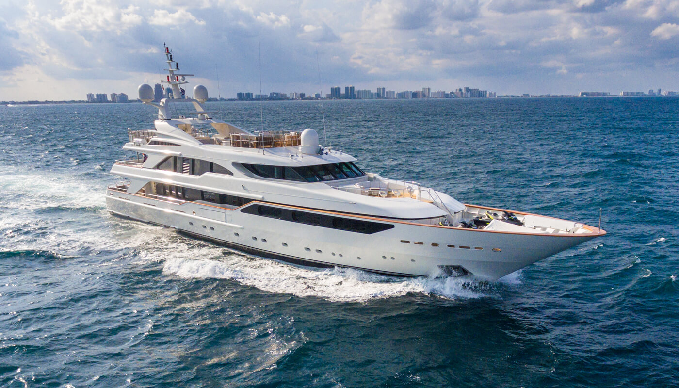 Barents  Benetti 50m  1999 / 2015 - 2018 - 2021   12 guests   6 cabins   11 crewyacht chartering